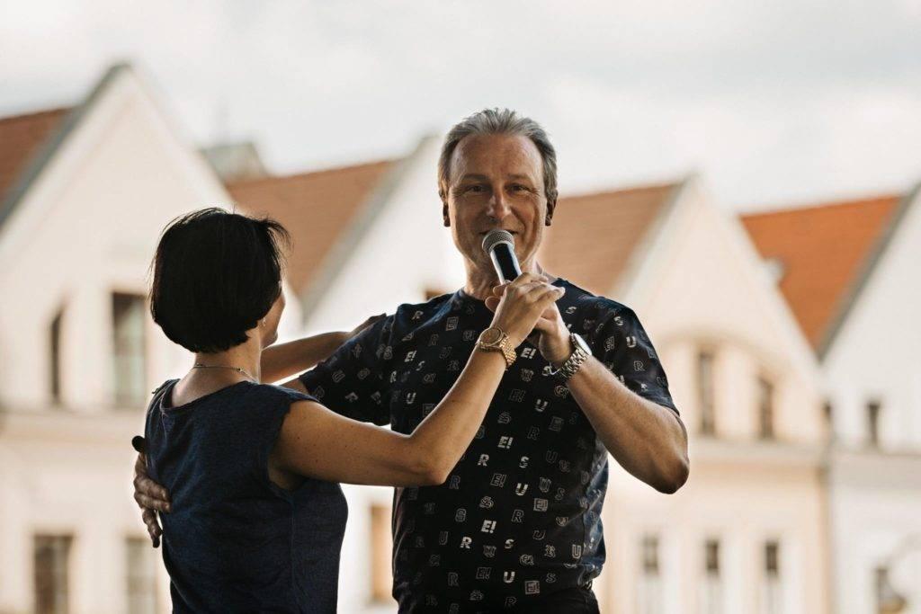 Plešinger, učiteľ tanca, tanečné kurzy